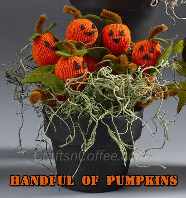 A Handful of Pumpkins - Cute Halloween Decorating idea - DIY - halloween homemade decoration ideas