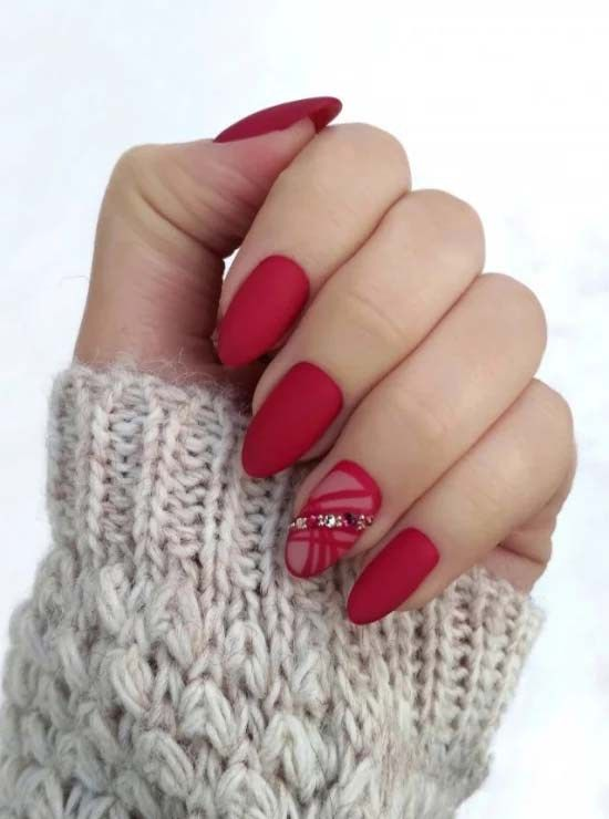 Stunning red nail art for 2019