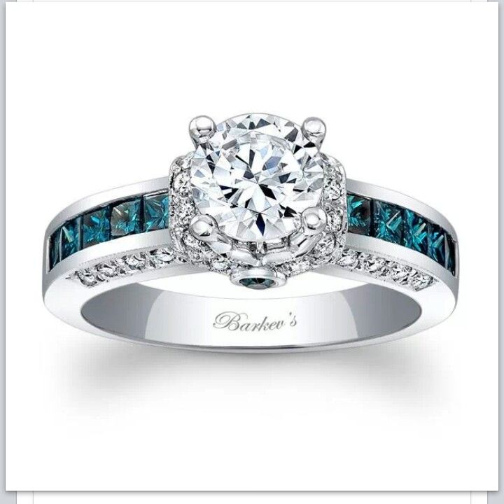 Love this but with a princess, radiant, or emerald cut!