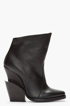 THEYSKENS' THEORY Leather Elerie Aova Tiered-Heel Black Boots Size: 9New with tags 78% off Retail WAS $850.00 NOW $180.00