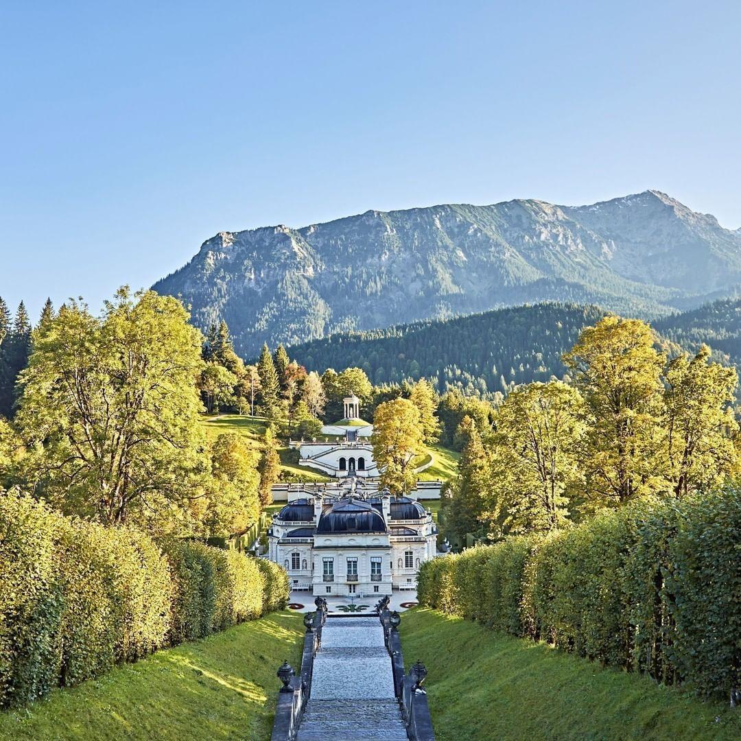 Schloss Linderhof In 2020 Urlaub Bayern Schlosser In Bayern Ausflug