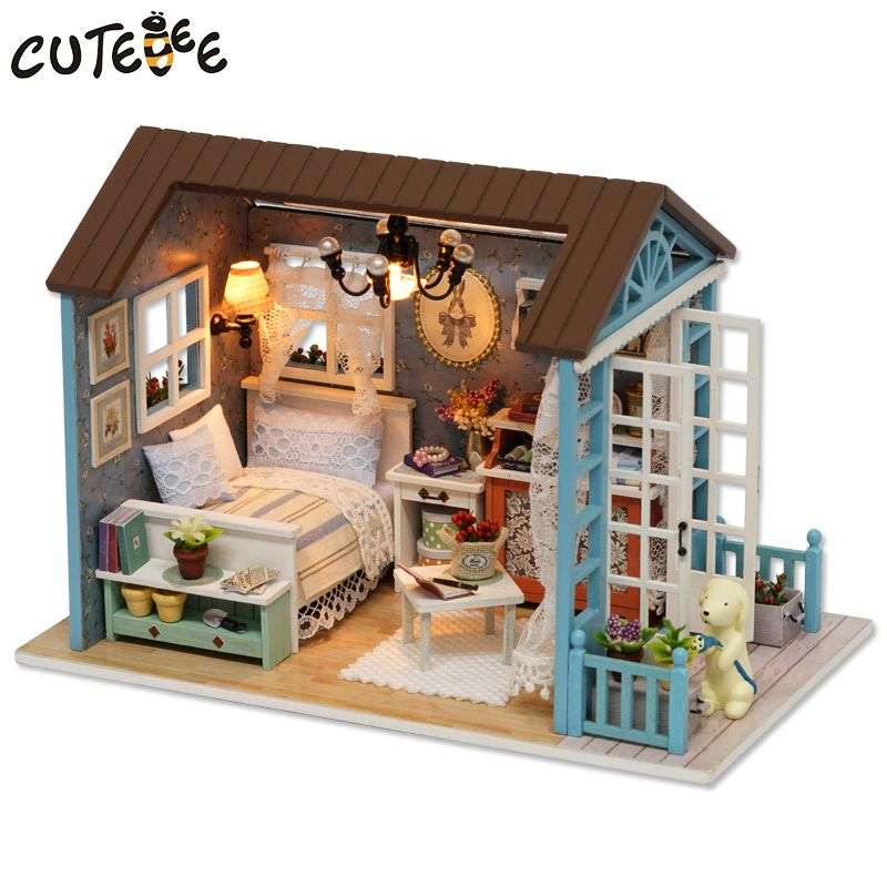 Wooden Furniture Dolls House Family Miniature 4 People Doll Toy For Child Xmas !