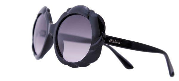 Anna Sui apresenta nova coleção de óculos de sol