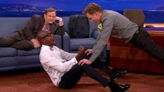 Jb Smoove Uses Conan To Workout Funny Funny Interview Tv Shows Funny Workout