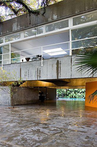 Casa Gerassi, by architect Paulo Mendes da Rocha. Photo by Fernando Stankuns, via Flickr