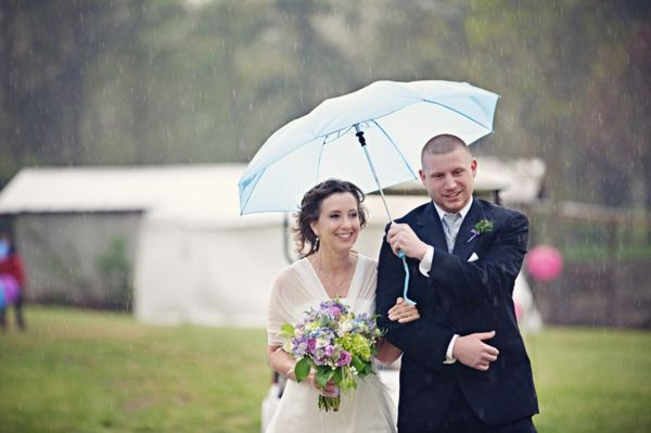 Wedding Tip: What to Do If It Rains on Your Wedding Day (Photo by Cuppa Photography via Heart Love Always)