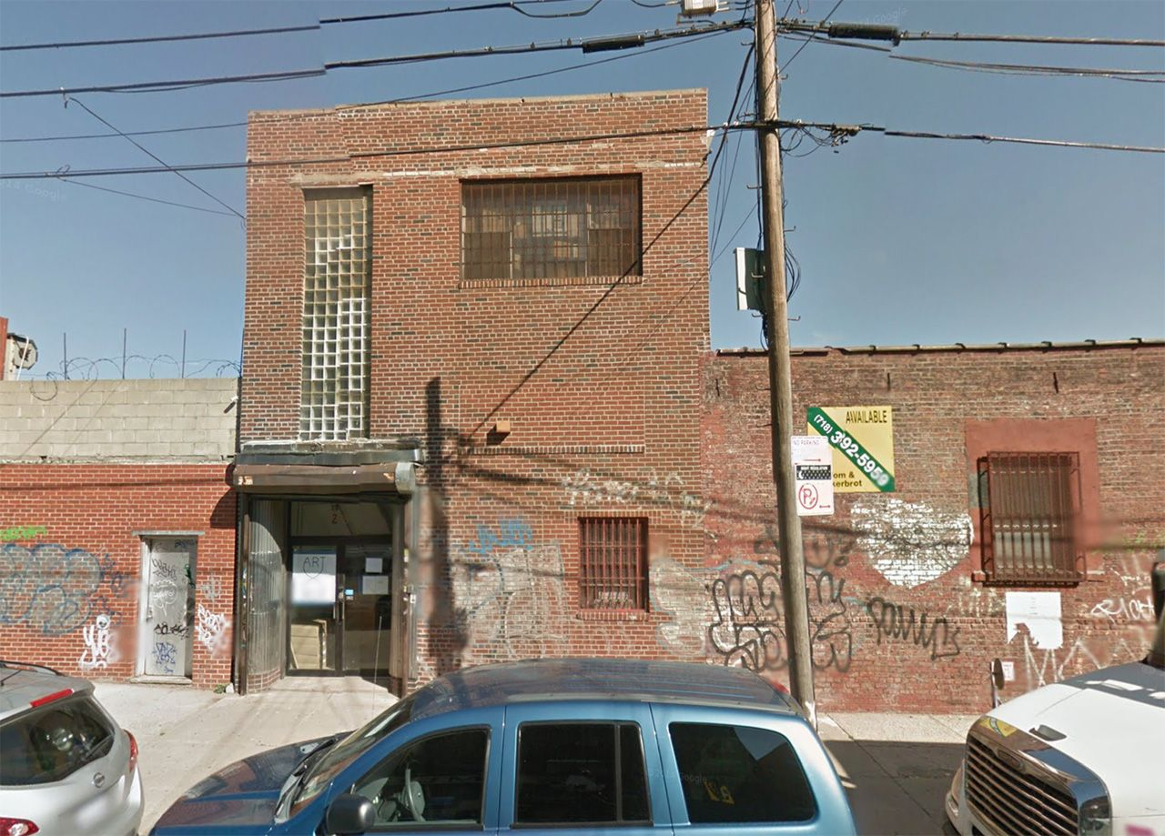 The location of the future Christopher Stout Gallery at 299 Meserole Street in East Williamsburg/Bushwick (via Google Streetview)