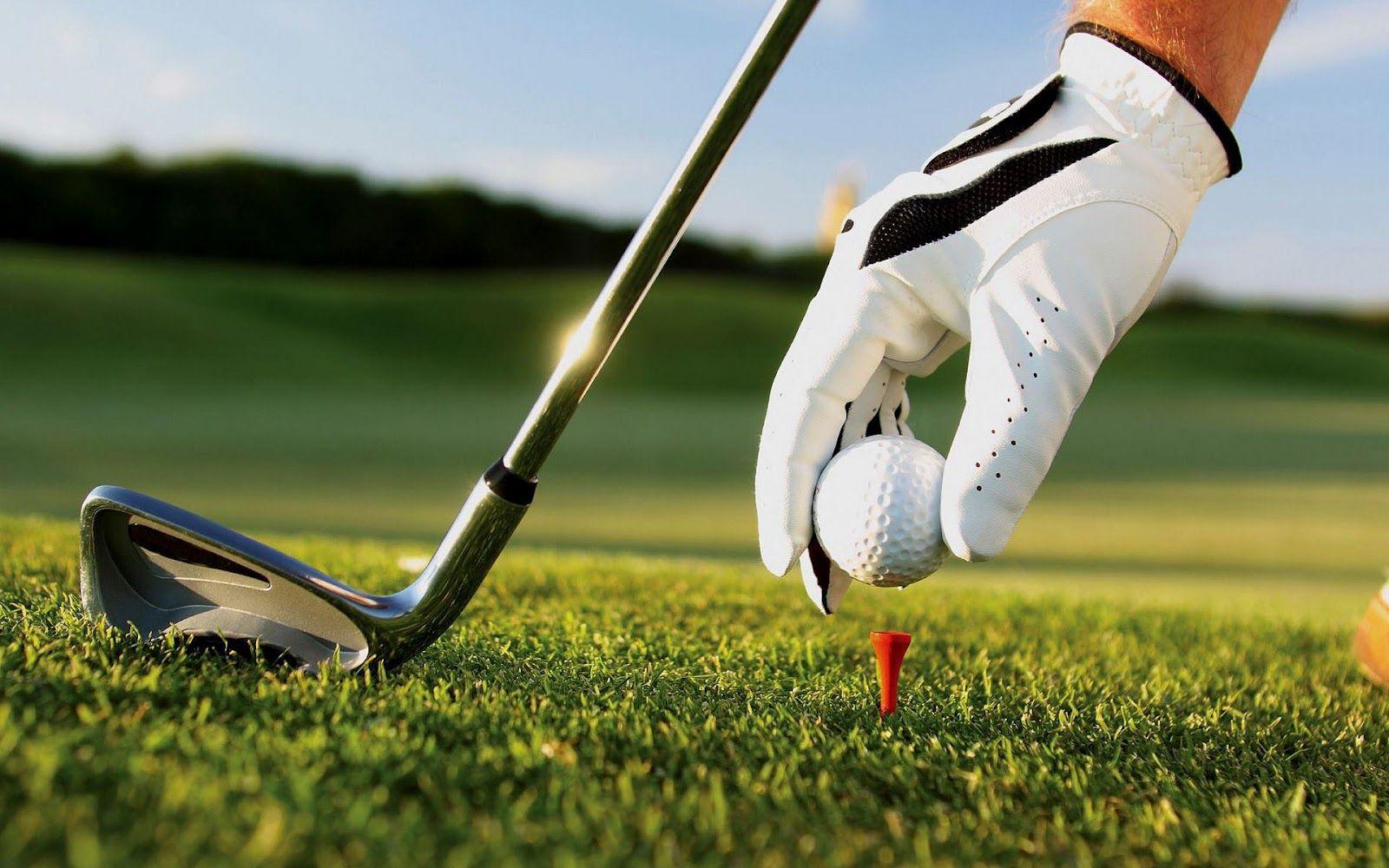 Golfkenttien runsaus ja laadukas taso, sekä pitkän golfkauden takaava miellyttävä sää tekevät Mallorcasta unelmien golfkohteen. Sinun ei myöskään tarvitse tyytyä matkallasi vain yhteen kenttään, sillä  lyhyiden välimatkojen ansiosta voit yhdistellä useita kenttiä lomasi aikana! www.pabisahotellit.fi