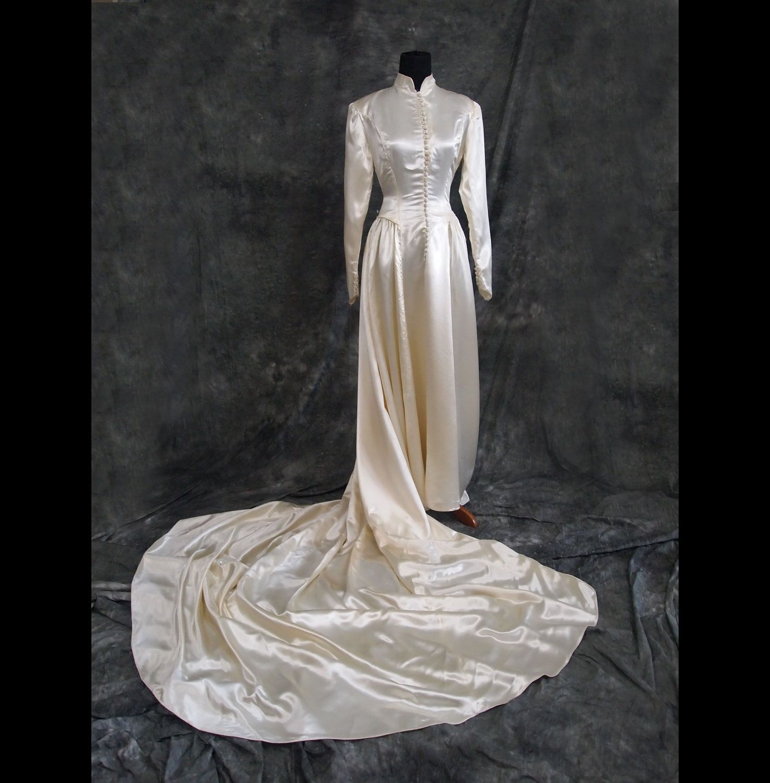 Vintage Wedding Dresses Etsy: Vintage Satin Button Up Wedding Dress, 1940s. S. $425.00