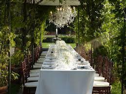 Charming  #wedding  #romantic   #weddingplanner #ideas #jusweddinglab  #chandeliers  #luxurywedding #florals #flowers #weddinginspiration www.weddingsplanner.it