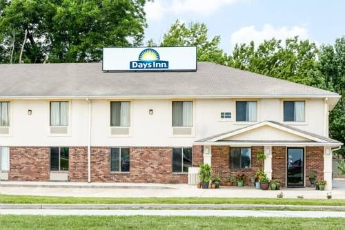 Days Inn Warrensburg Warrensburg Missouri Located 2 Km From The Warrensburg Amtrak Station This Hotel Serves A Daily Warrensburg Warrensburg Missouri Hotel