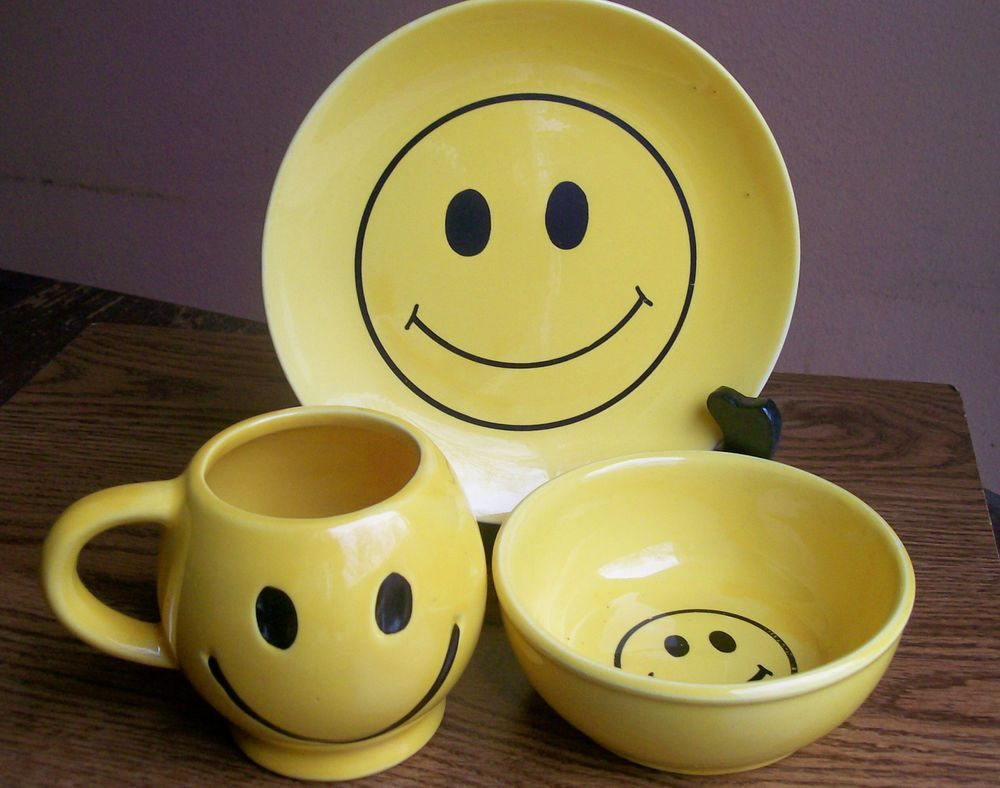Smiley Face Coffee Mug 38 Best Smiley Faces And Pottery Images On Pinterest Smiley