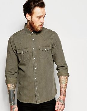 Descubre las camisas para hombre en ASOS. Elige entre cientos de estilos  diferentes de camisas para hombre 9fb899d1ef8