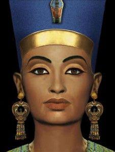 El Amarna In Chaos What Did Queen Nefertiti Really Look Like Nefertiti Egyptian Makeup Queen Nefertiti