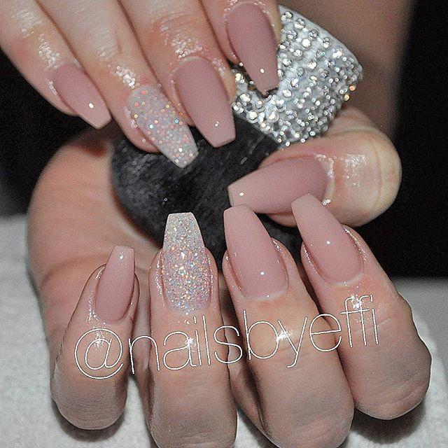 fake naglar