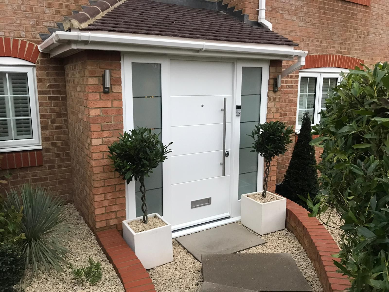 Sleek Modern Front Door With 2 Fully Glazed Side Panels You Can Find More Inspiration On Www Cerberu Modern Front Door Modern Front Porches Front Porch Design