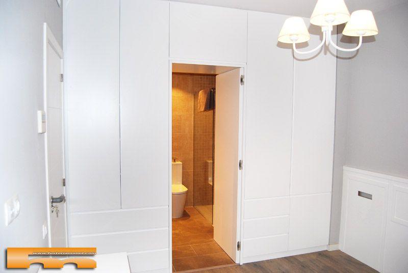 Armario vestidor ba o puerta separador a medida lacado barcelona clara1 dormitorios suite - Armarios a medida para banos ...