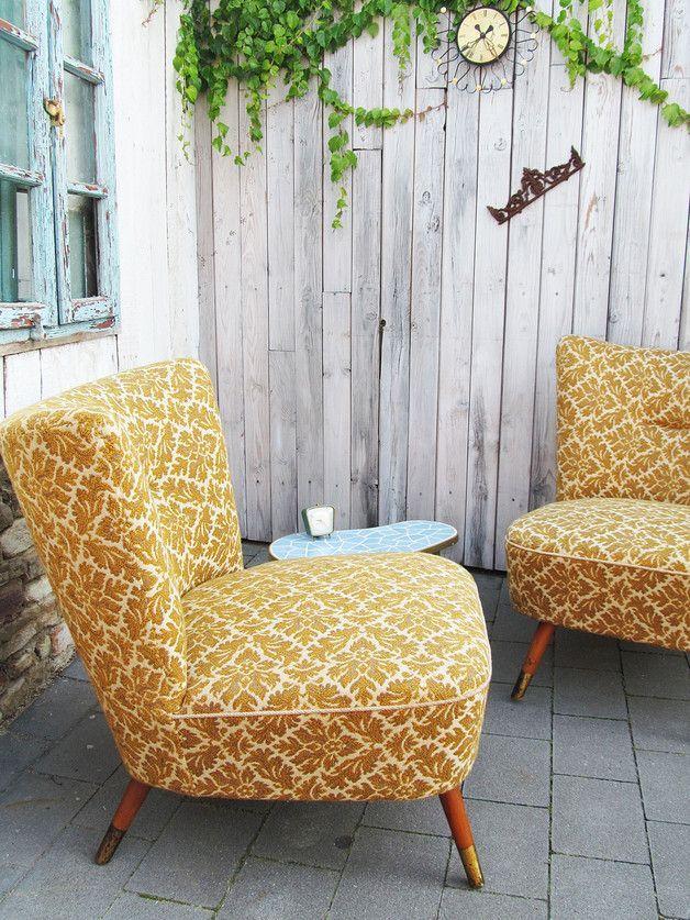 Bequemer Vintage Sessel aus den 50ern / comfy and fancy vintage chair, 50s by Gerne Wieder via DaWanda.com - super schön für FREIE ZEREMONIEN als Braut und Bräutigam Stühle! ähnliche tolle Projekte und Ideen wie im Bild vorgestellt findest du auch in unserem Magazin . Wir freuen uns auf deinen Besuch. Liebe Grüße