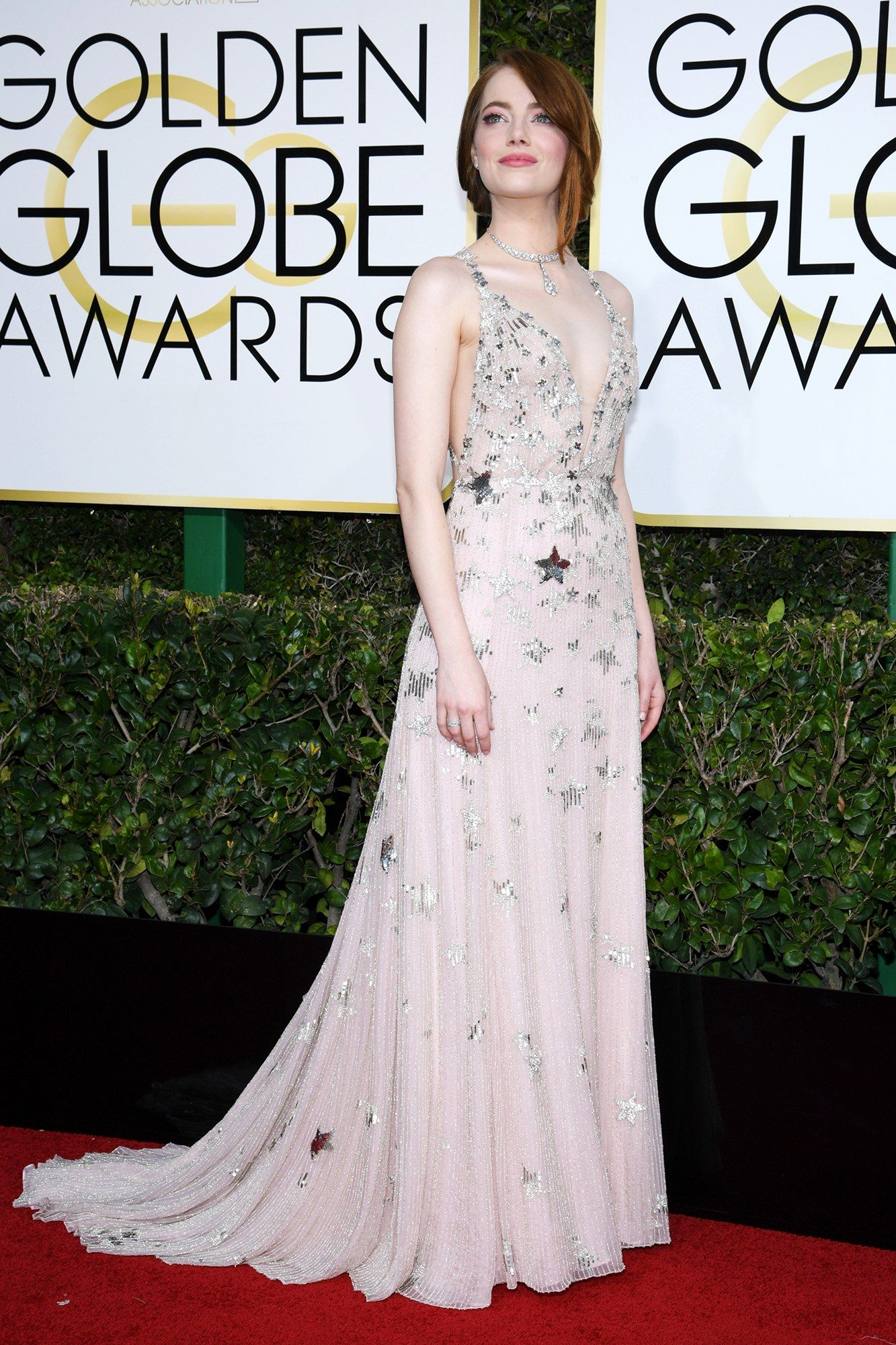 emma stone in valentino at the golden globes 2017 red-carpet looks