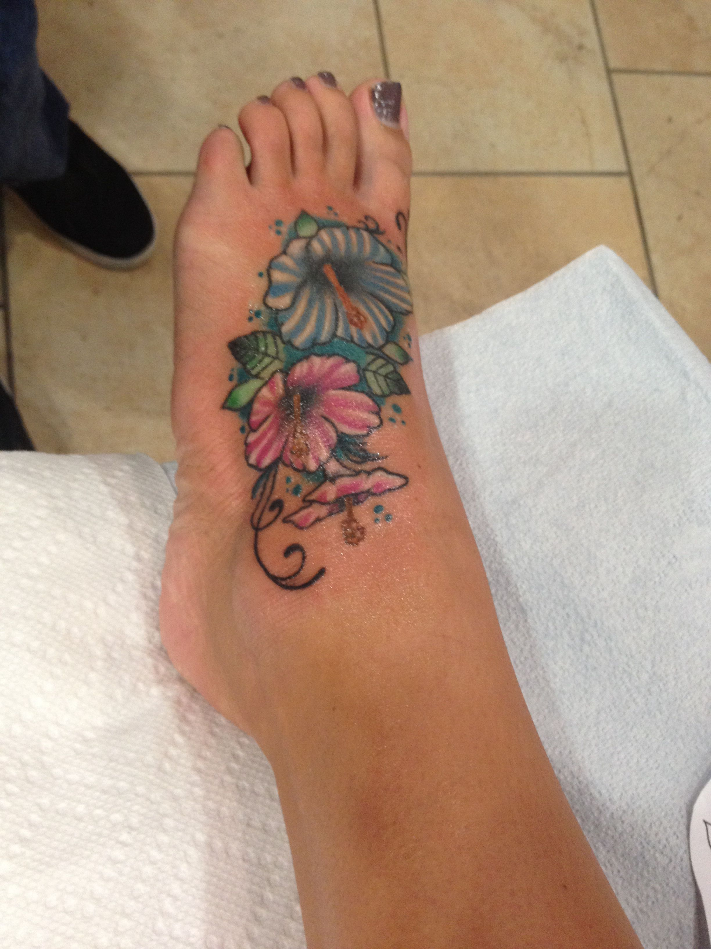 Hibiscus Foot Tattoo Hibiscus Tattoo Tattoos For Women Foot