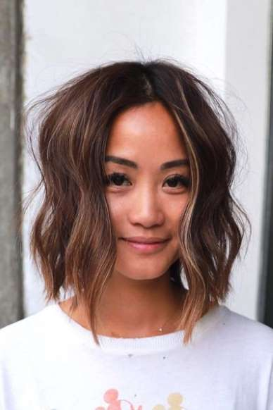 53 New Hairstyles For Round Faces That Ll Trend In 2021 In 2020 Choppy Bob Hairstyles Short Hair With Bangs Thick Hair Styles