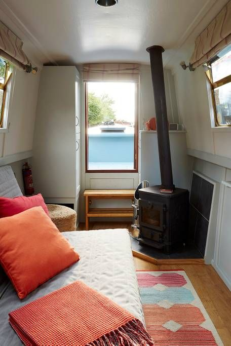 Photo of Beautiful narrowboat central london – Boats for Rent in London, Greater London, United Kingdom