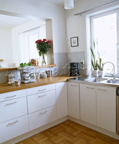 Best White Kitchen With Wooden Worktops Google Search 400 x 300