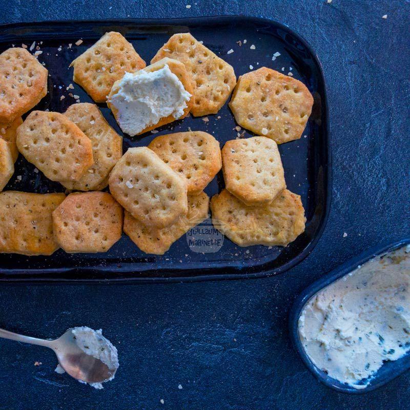 Comment faire des TUC maison (ou crackers salés)   Recette en 2020 (avec images)   Tarte facile ...