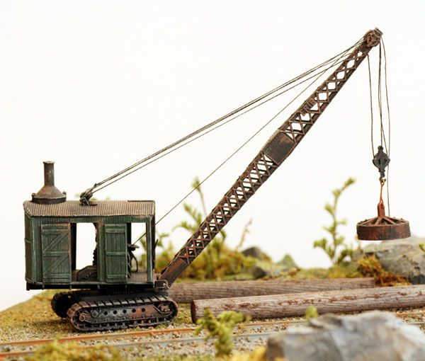 CRANE small WORK CRANE comes Built up and Painted HO Scale