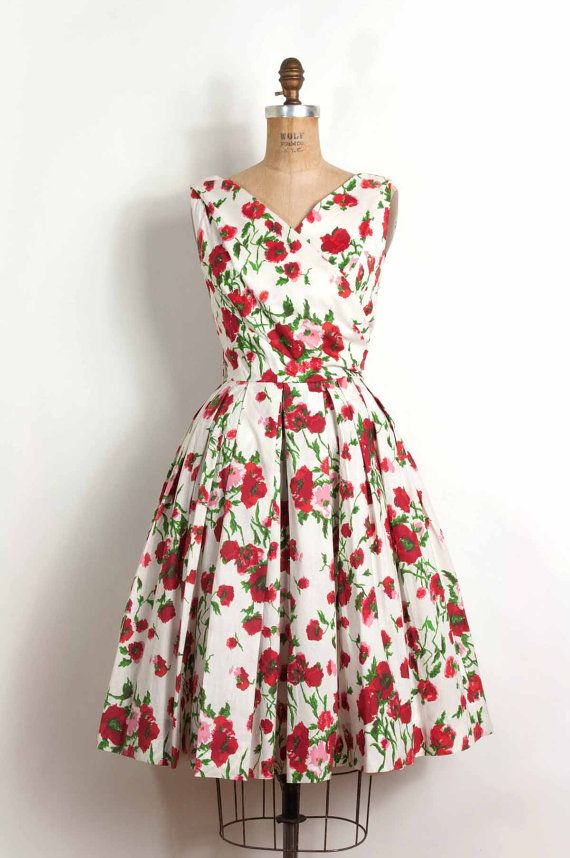 Utterly and completely beautiful 1950's floral dress