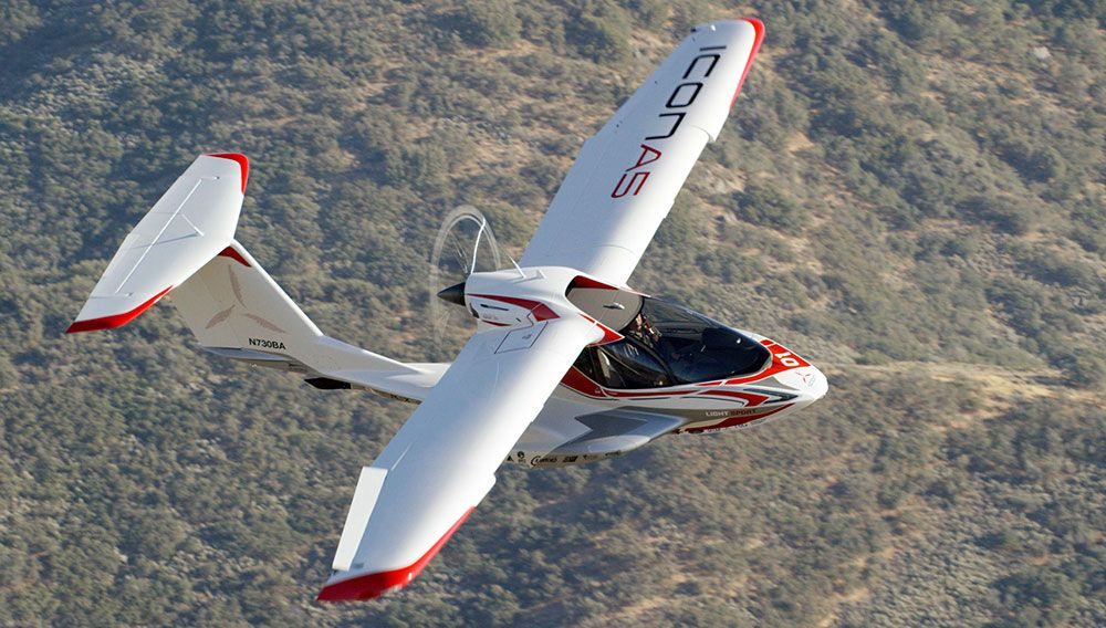 The amphibious aircraft only requires a sportpilot