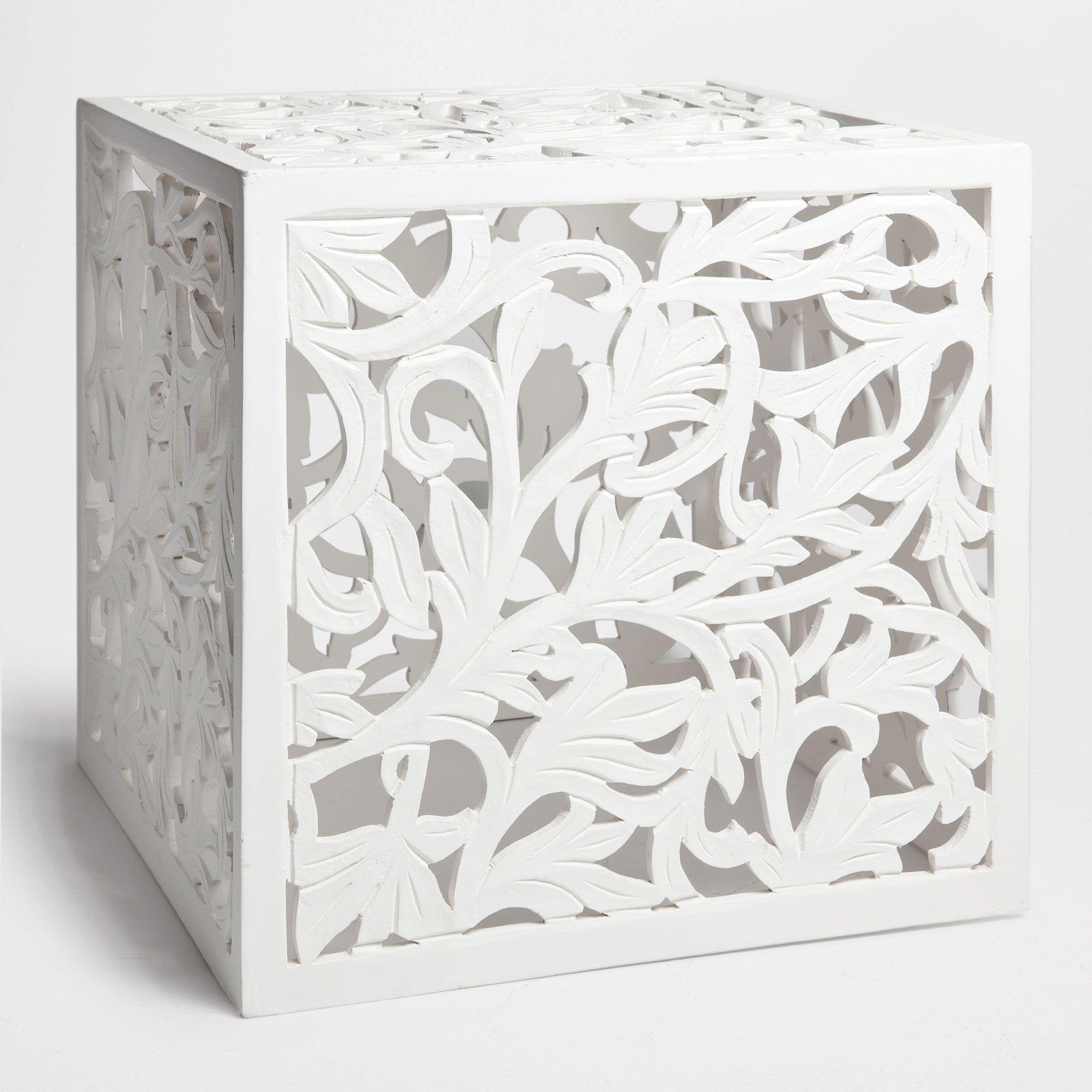 tischchen mit lochmuster schemel beistellm bel dekoration new collection zara home. Black Bedroom Furniture Sets. Home Design Ideas