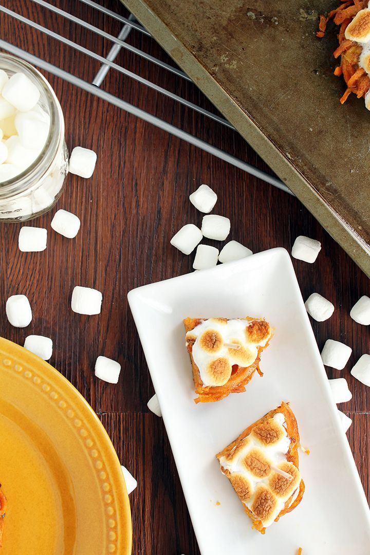 "Mini Sweet Potato ""Casseroles"" with Vegan Marshmallows (featuring the Inspiralized bun!) #veganmarshmallows Mini Sweet Potato ""Casseroles"" with Vegan Marshmallows (featuring the Inspiralized bun!) #veganmarshmallows"