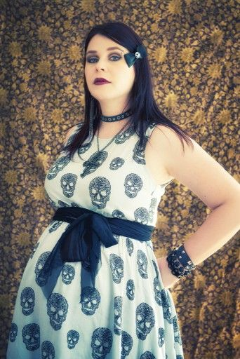 b61b1531923 i would love this dress. i would love this dress Punk Maternity ...