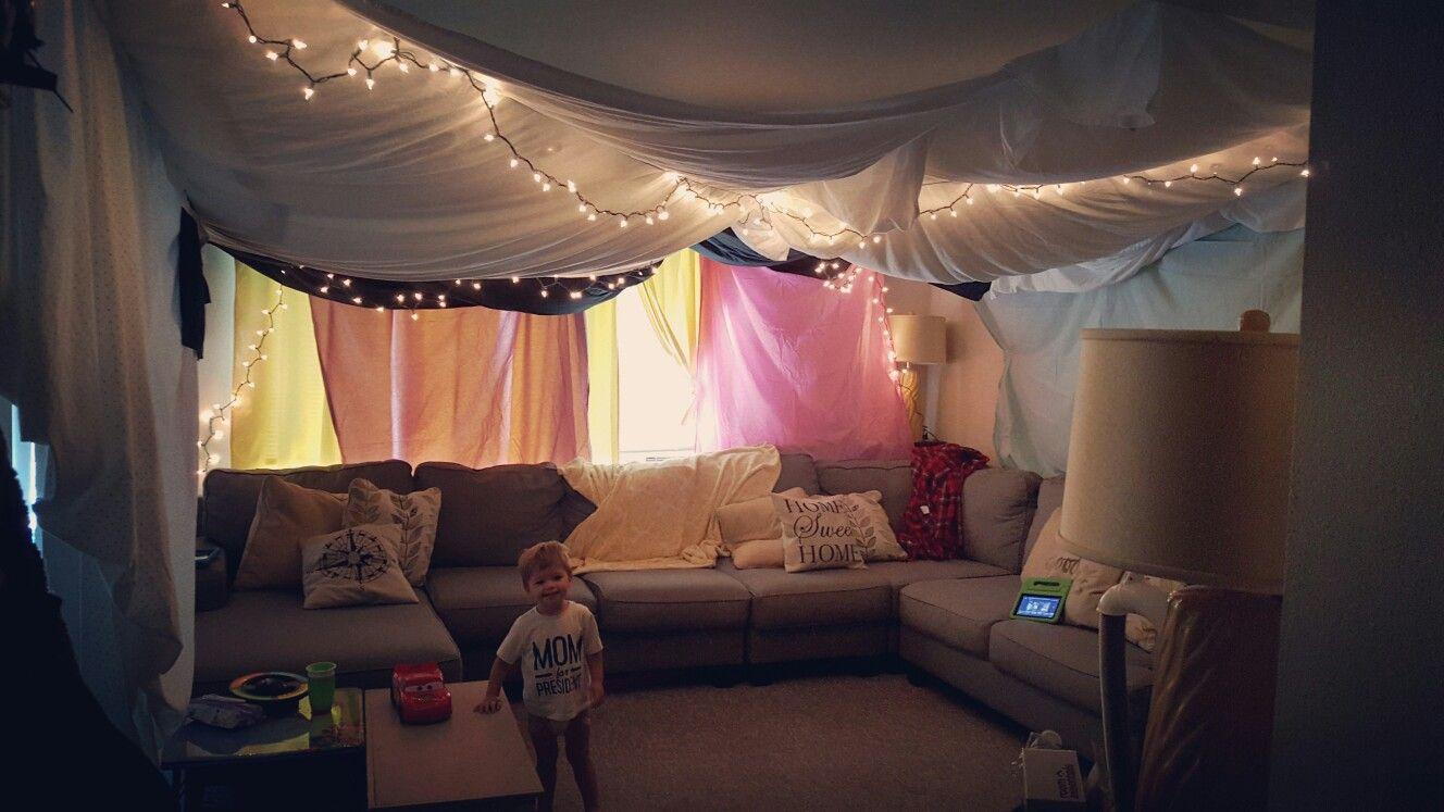 Indoor tent, sleepover, slumber party, living room tent