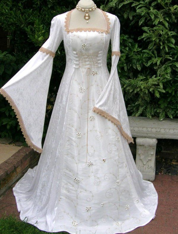Medieval pagan renaissance wedding dress dawns medieval for Renaissance inspired wedding dress