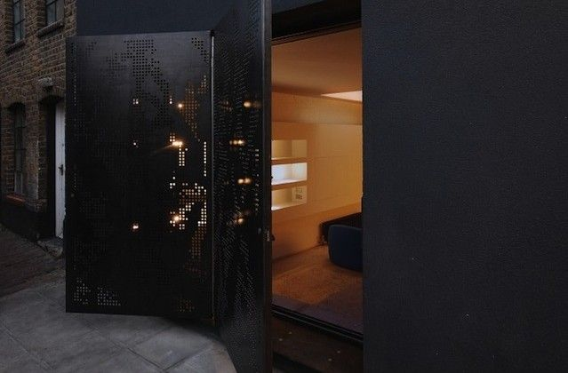 Intimate Hidden House In London