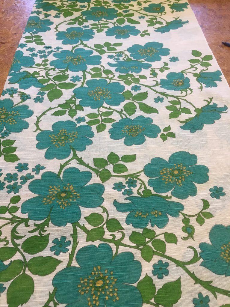 retro stof met een mooi patroon met bloemen een dunne stof lichte doorkijk