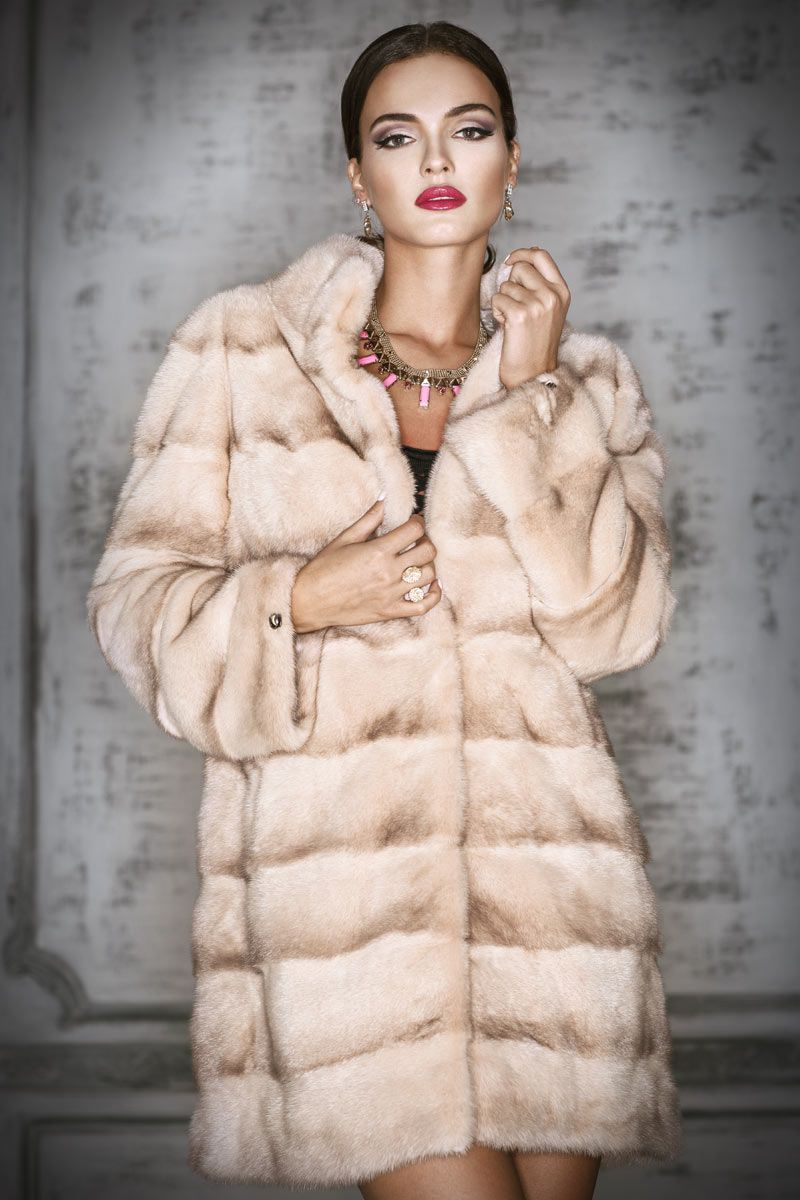Почему стоит приобрести шубу, а не другие виды курток