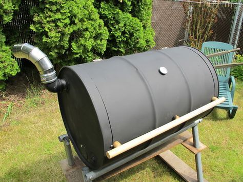 DIY – Einen BBQ Ofen aus einem Ölfass selber bauen | delle69 | Pinterest