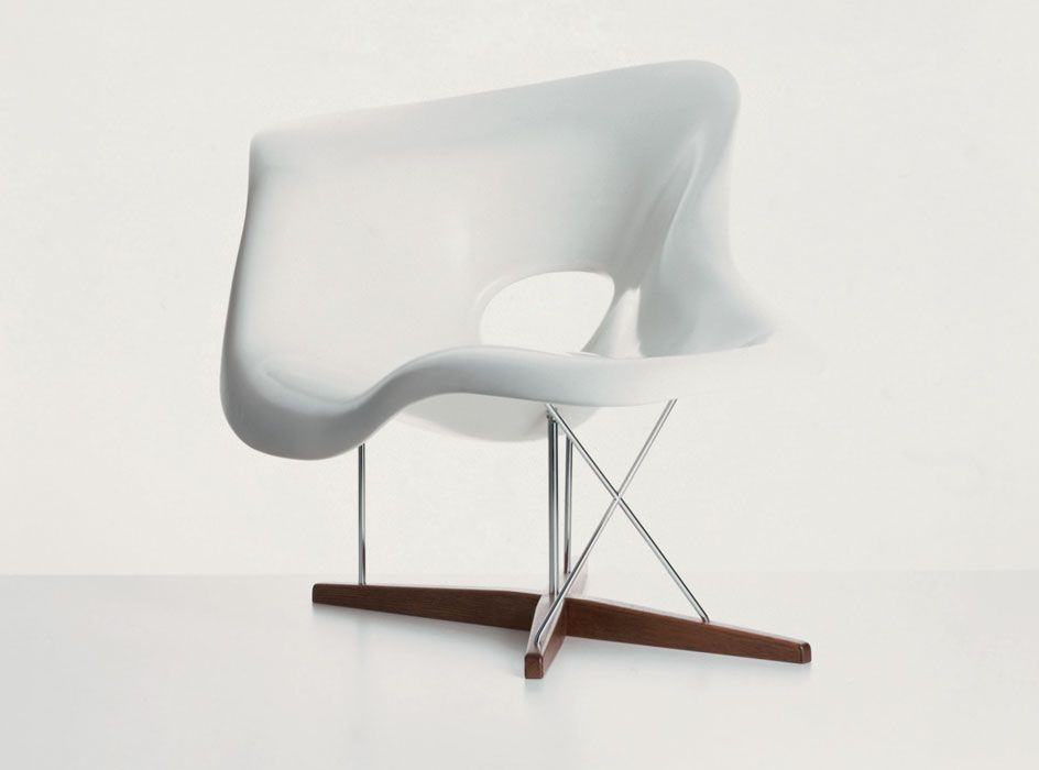 La Chaise Designed by Ray & Charles Eames in 1948