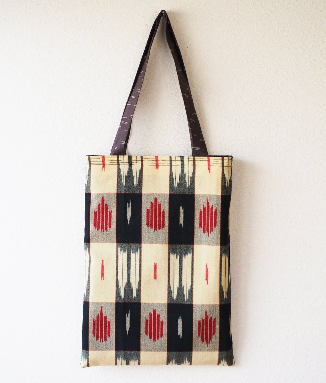 Japanese Vintage Kimono Fabric Kimono Remake Tote Bag In 2020 Vintage Kimono Fabric Vintage Kimono Handmade