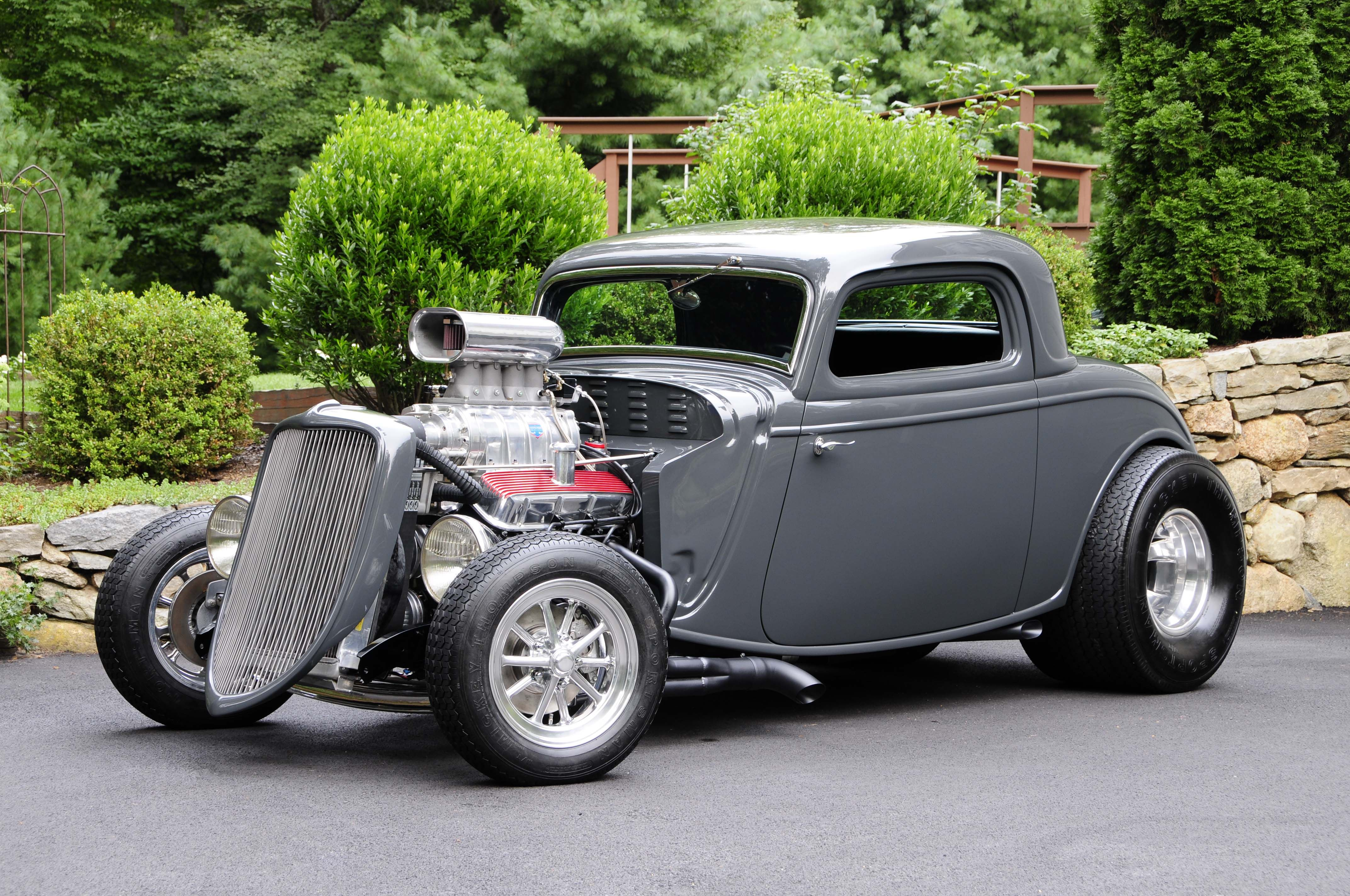 Dave Bagdon's 1933 Ford Coupe Rules the Streets with a 6-71-Blown