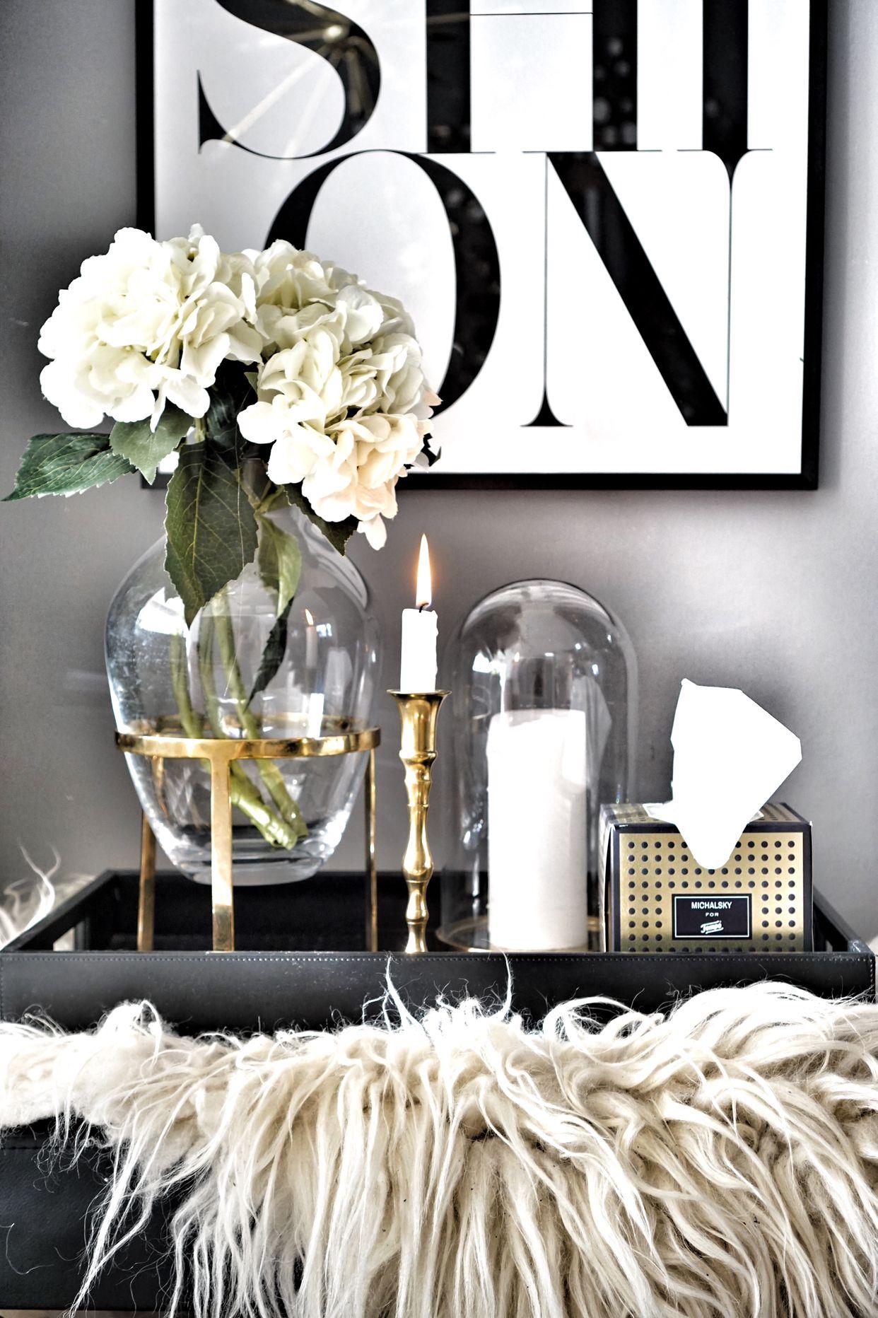 Wohnzimmer Details Tablett Vase(Werbung)  Wohnzimmer schwarz