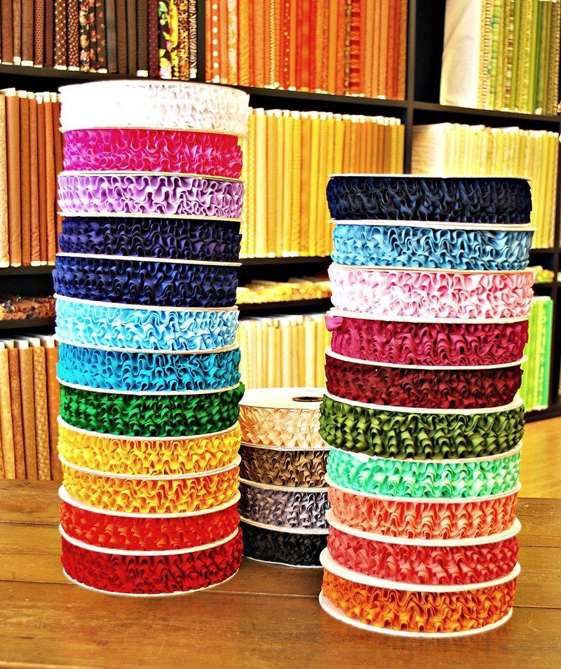Pre-pleated grosgrain ribbon in great colors!