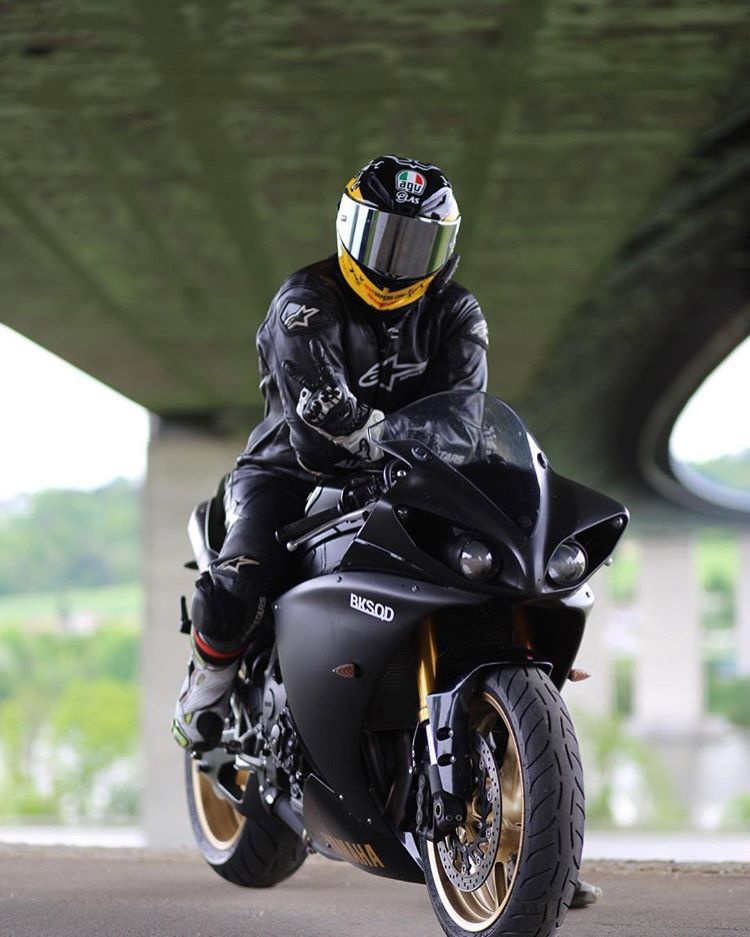203f440a9ef Pin de Miguel Fischer em motos