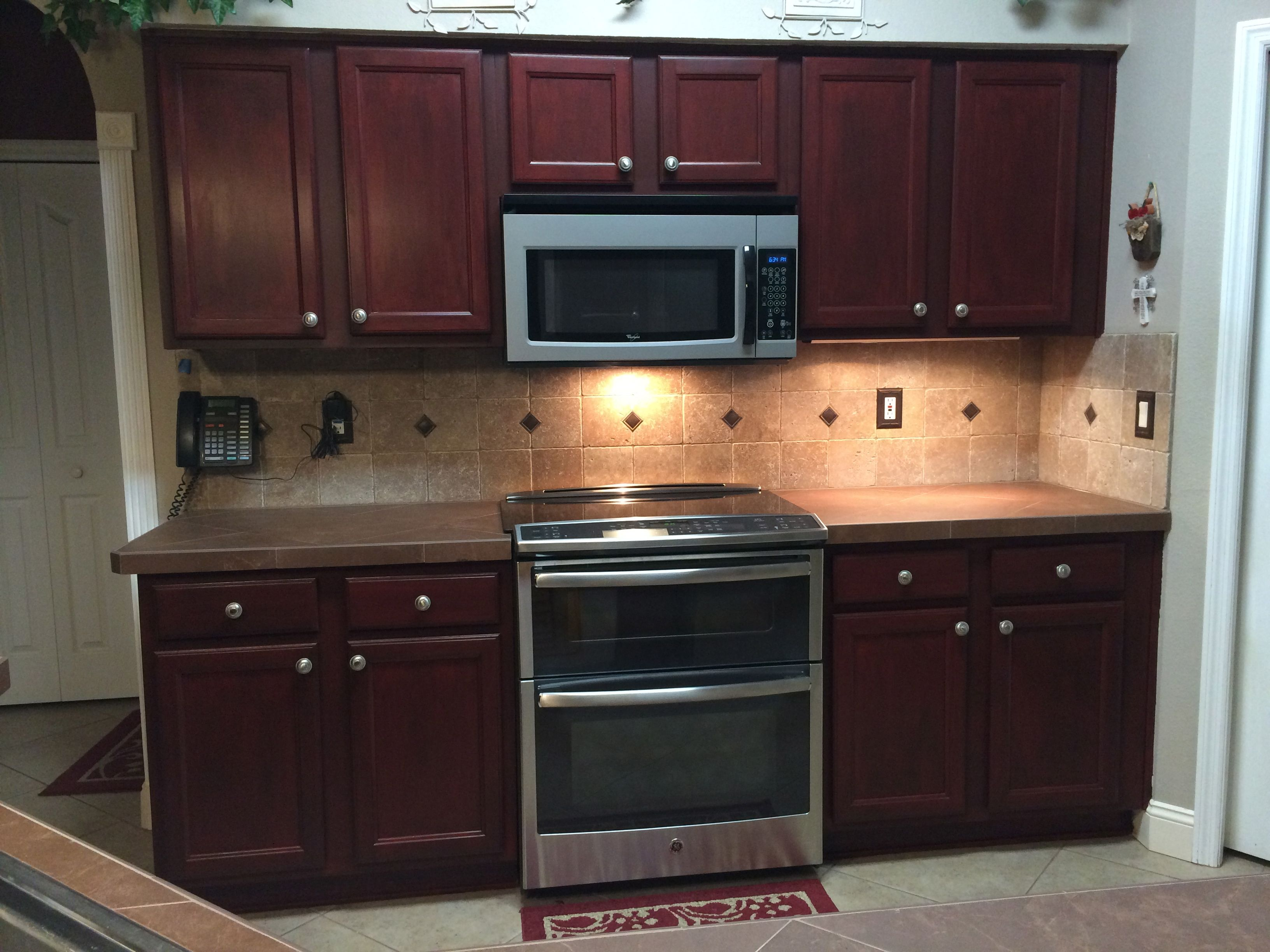 Superbe Rustoleum Cabinet Transformations In Cabernet With Glaze Finish, 2 Coats Of  Protective Top Coat (3 Around The Door Knobs For Extra Protection) Switches  And ...