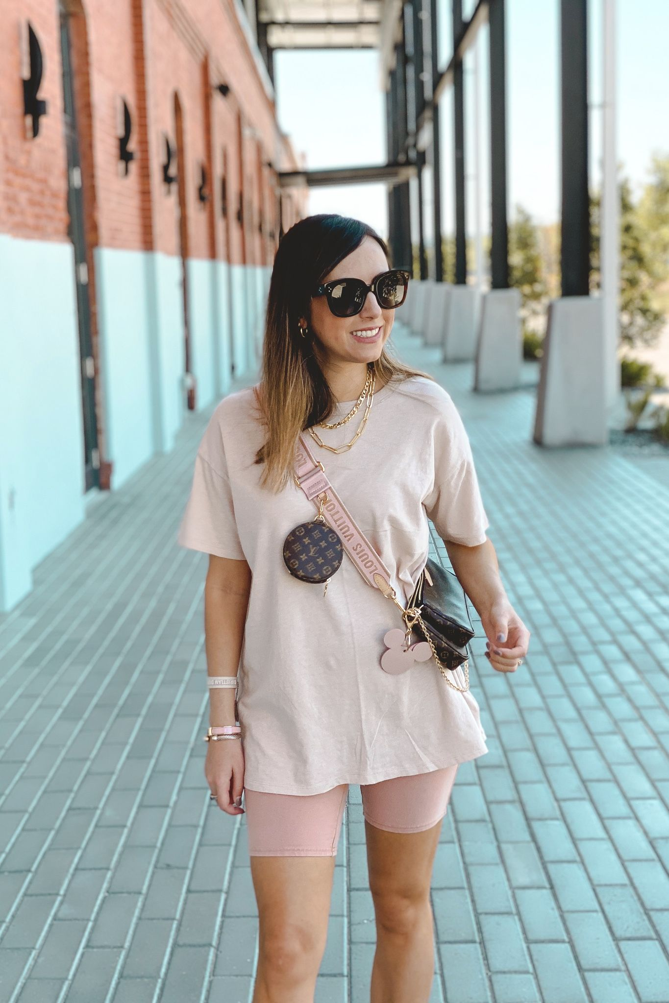 oversized tshirt outfit
