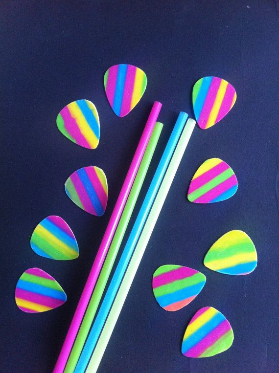 10 Guitar Picks Out Of Drinking Straws Guitar Picks Crafts Guitar Picks Diy Straw Crafts