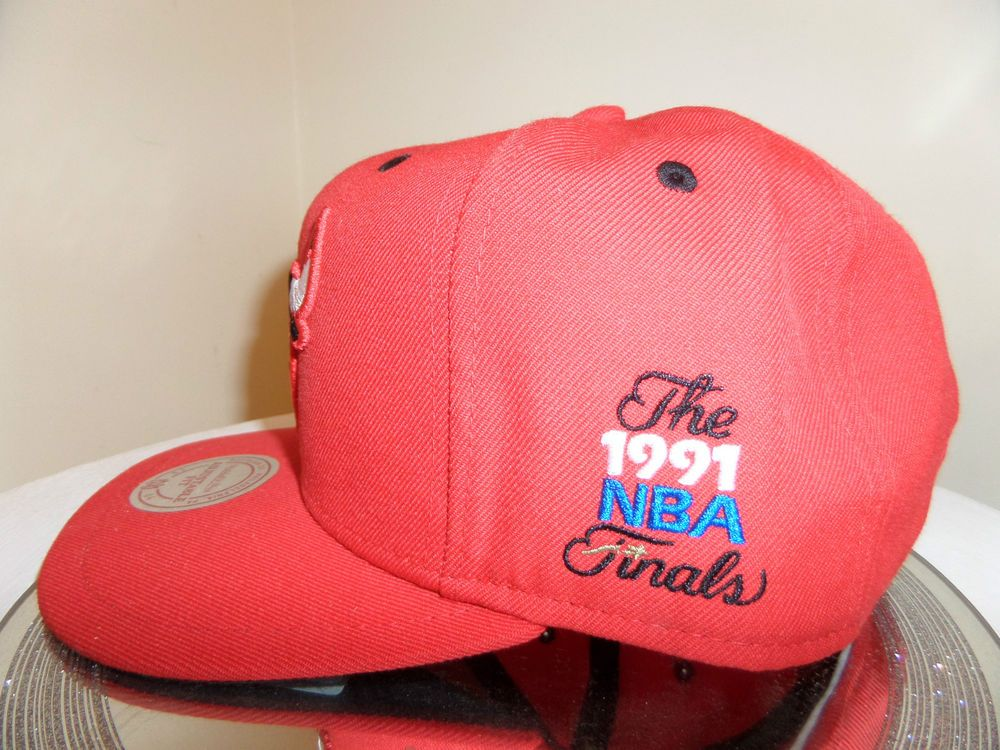8c212be9a79 GENUINE MITCHELL   NESS BULLS 1991 FINALS SNAPBACK CAP HAT RETRO JORDAN NBA  58cm  MitchellNess